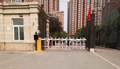 九龙西贾小区采用华捷盛智能车牌识别系统