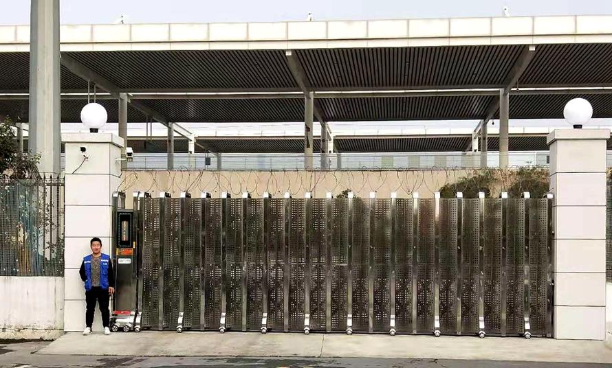 定制电动伸缩门-安阳高铁站